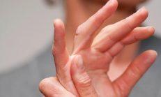 Parmak Eklemlerindeki Küçük Şişlikler