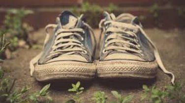 Sararmış Converse Nasıl Beyazlatılır?