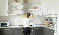 Yağlı Mutfak Dolabı Nasıl Temizlenir?