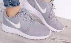 Spor Ayakkabı Elde Nasıl Yıkanır?