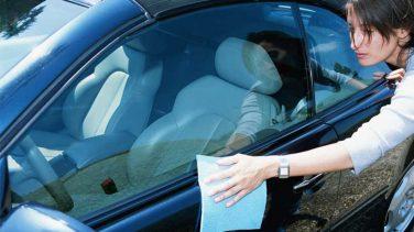 Arabadaki Sakız Lekesi Nasıl Çıkar?