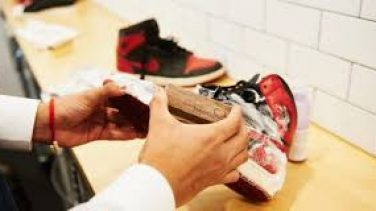 Siyah Spor Ayakkabı Nasıl Temizlenir?